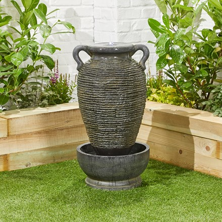 LED rippling vase water feature
