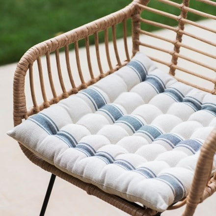 Seat pad in charcoal stripe