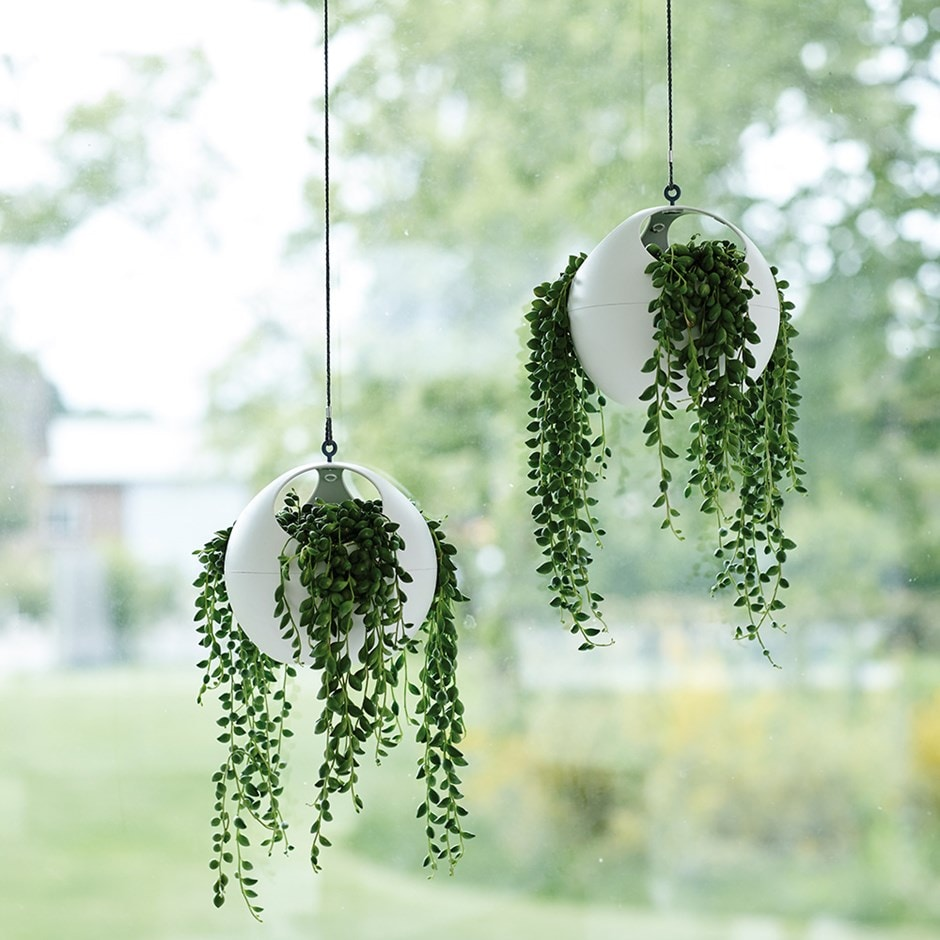B. for soft air hanging planter white
