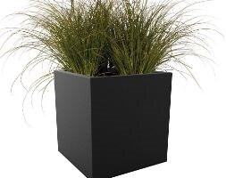 Vivo square matt black planter with wheels