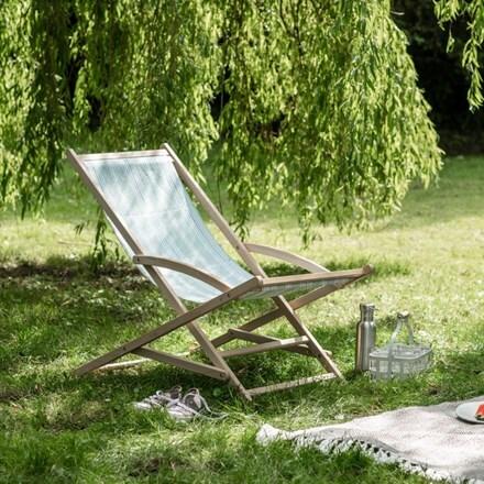 Rocking deck chair in peppermint stripe