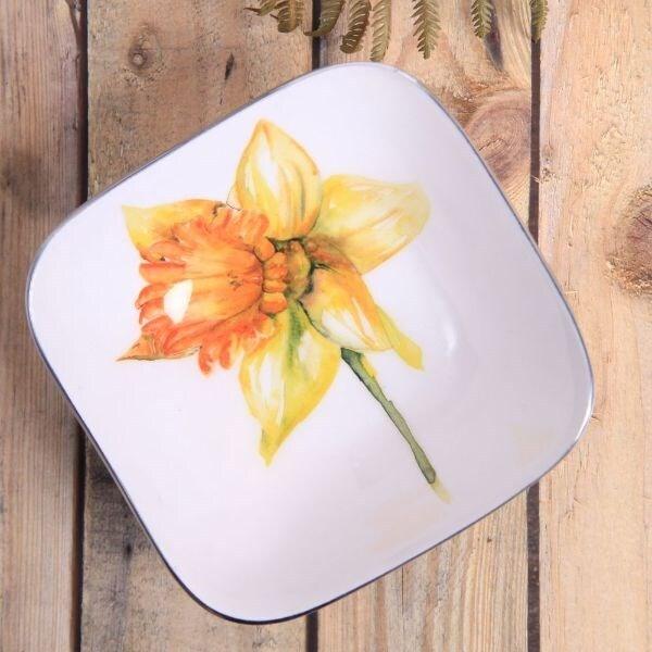 Daffodil square bowl