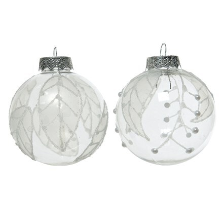 Shatterproof baubles with leaf design