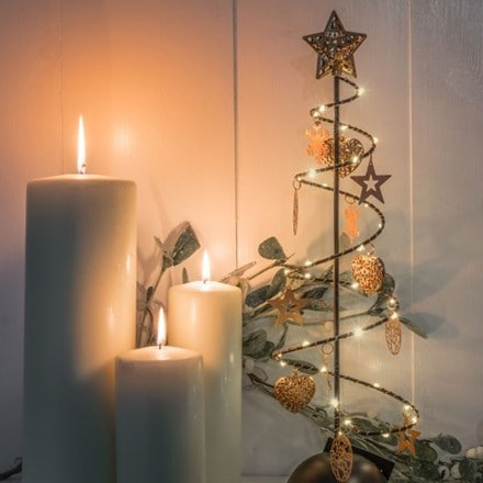 Metal tree with star and hearts - 30 lights