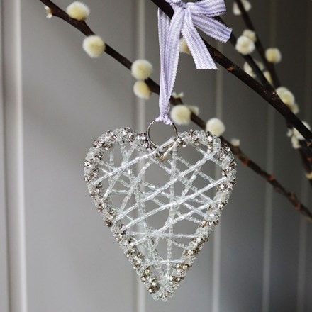 Small hanging wire heart