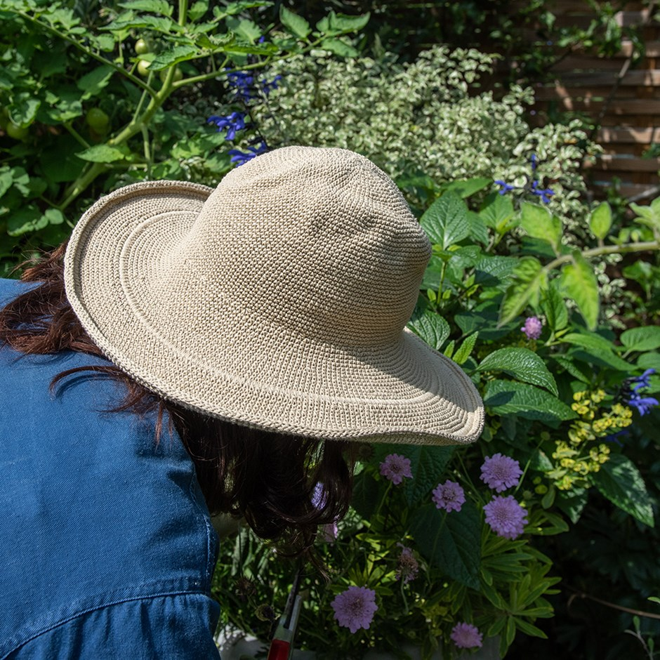 Crochet cotton garden hat - sahara tan