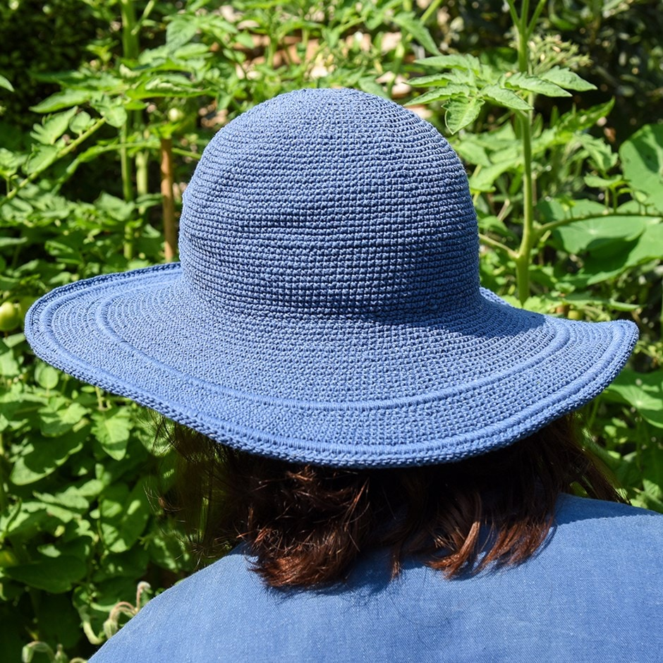 Crochet cotton garden hat - spanish blue