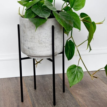 Luso plant stand - black