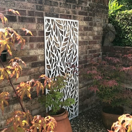 Decorative metal screen - two colour options