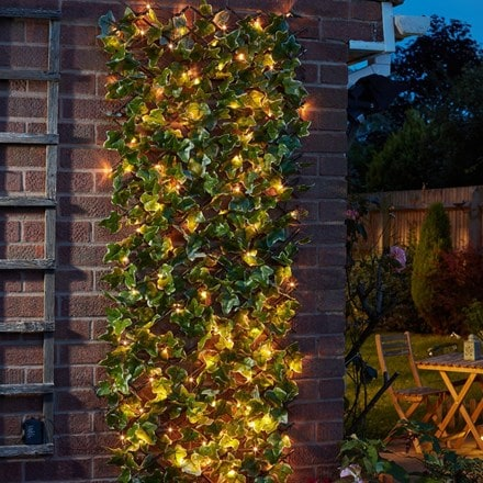 LED solar in-lit ivy trellis